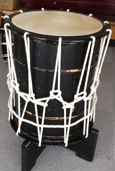 据置きの桶胴太鼓